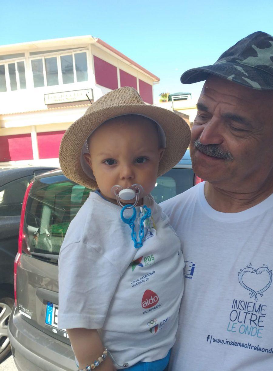 Il nonno d il piccolo Lorenzo - Insieme oltre le onde